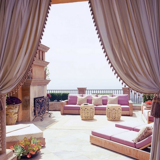Elegant and exotic Moroccan patio ideas for your courtyard