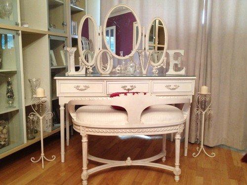 Ornate Vintage Vanities For Bedroom
