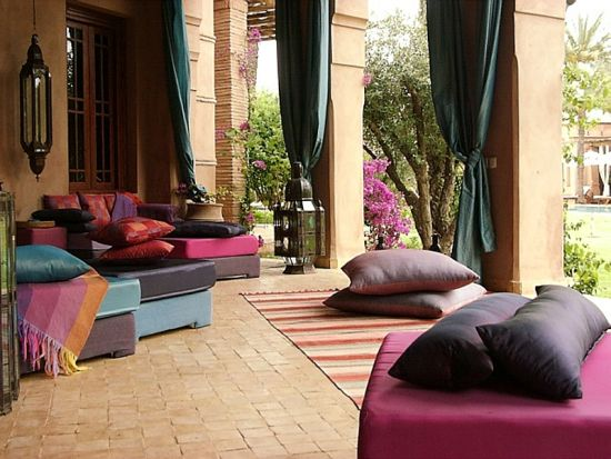 Plush Moroccan patio ideas