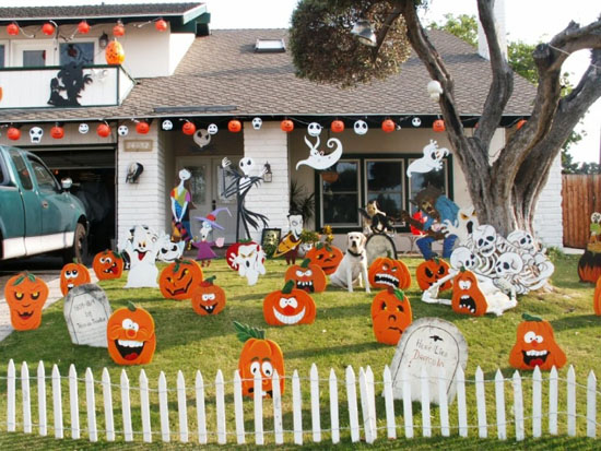 15 diy halloween yard decorations ultimate home ideas. Black Bedroom Furniture Sets. Home Design Ideas