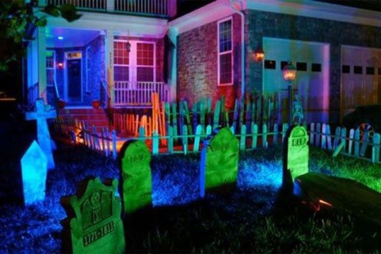 Graveyard Halloween Decor