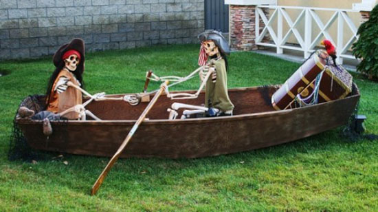 pirate themed halloween outdoor decor - Pirate Halloween Decorations