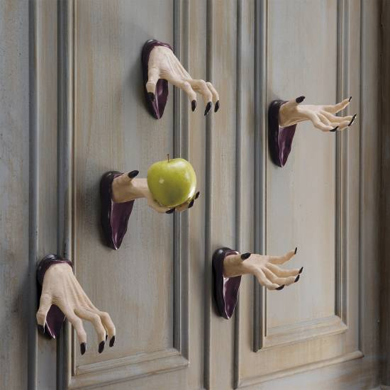 Creative Wall Decoration For Hallway: Halloween Hallway Decoration Ideas