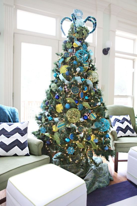 50 christmas tree decorating ideas ultimate home ideas for Blue gold and white christmas tree