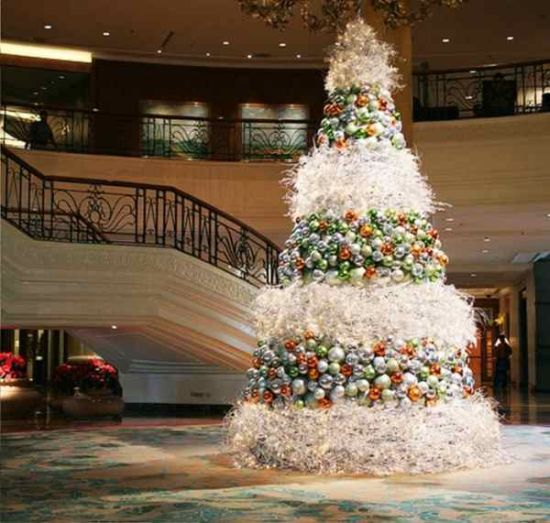 Inspiring white Christmas tree ideas with layers