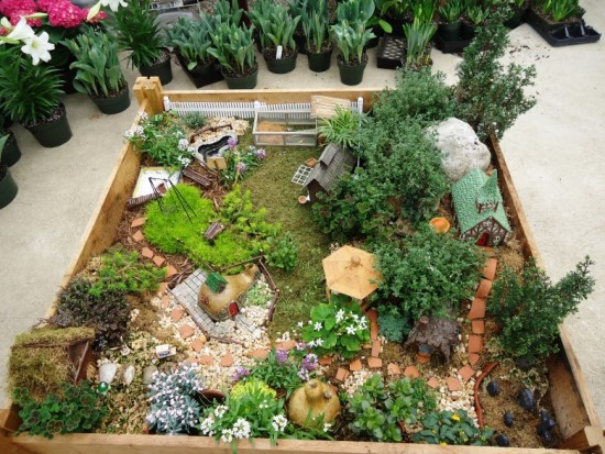 45 miniature garden decorations ultimate home ideas for Fairy garden decorating ideas