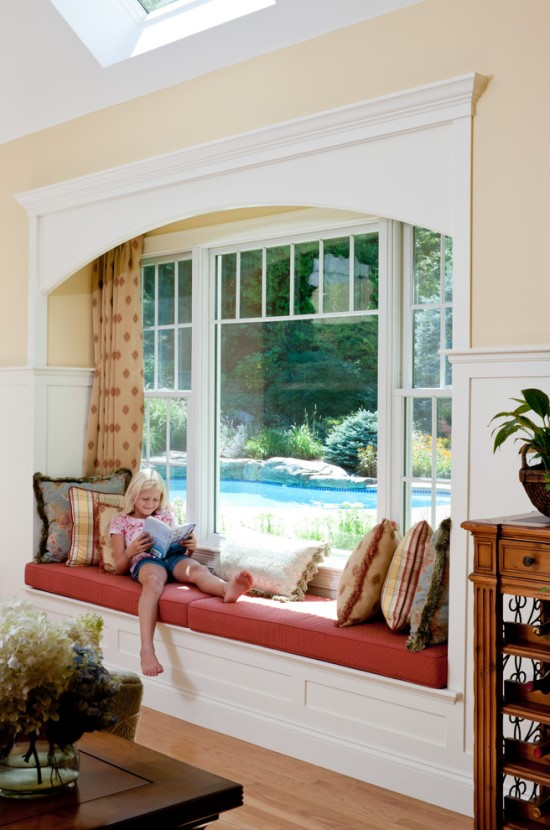 31 bay window seat overlooking the pool