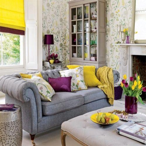 Bright Floral Wallpaper Design