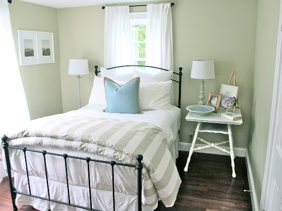 View In Gallery Bright And Beach Themed Twin Beds In A Guest Room