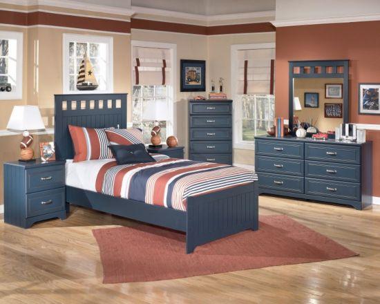 Wooden platform bed design