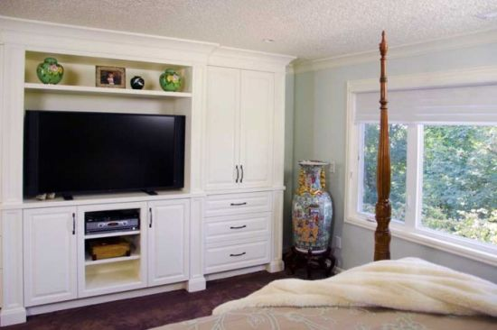 Custom Bedroom TV Wall Unit With Built In Cupboard. TV Entertainment Units