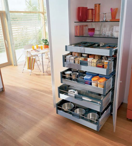 21 clever ways to maximize kitchen cabinet storage for Extra storage for small kitchen