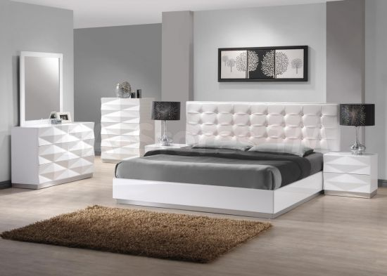 Stunning Platform bed design with tufted headboard Platform bed designs