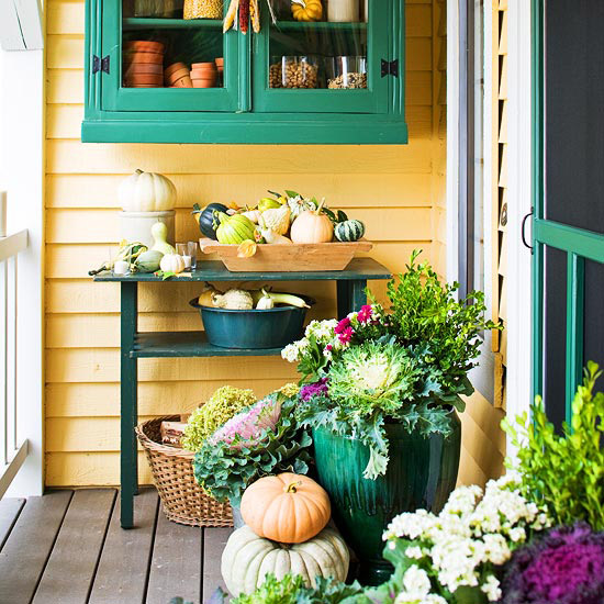 Front porch decorating ideas for fall ultimate home ideas Beautiful fall front porches