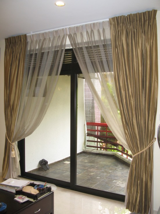 Sheer curtain ideas for living room ultimate home ideas - Black and gold living room curtains ...