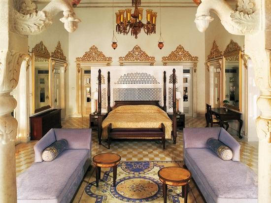 Gold Bedroom Ideas
