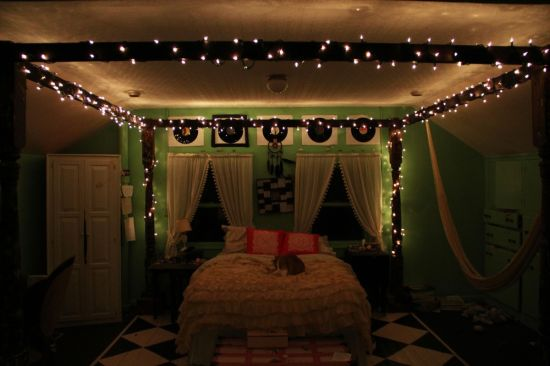 DIY Teen Bedroom Decor With Fairy Lights