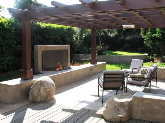 Modern Patio Pergola Designs With Chic Seating