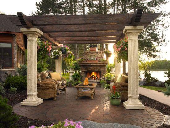 Columned pergola