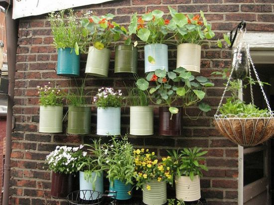 awesome hanging tin ideas for small gardens