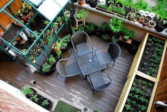 cool balcony garden idea for small spaces