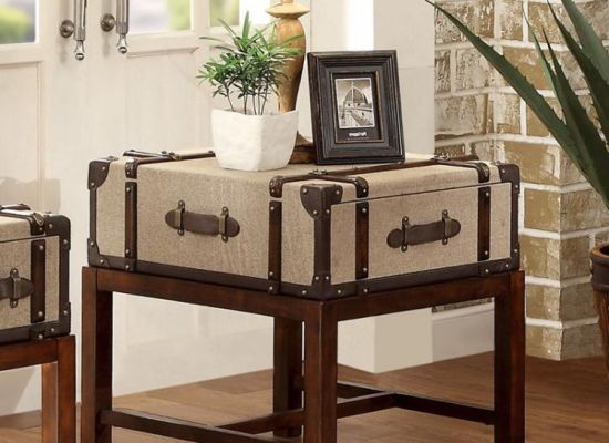 Cute DIY Vintage End Table Decoration Using Old Suitcase