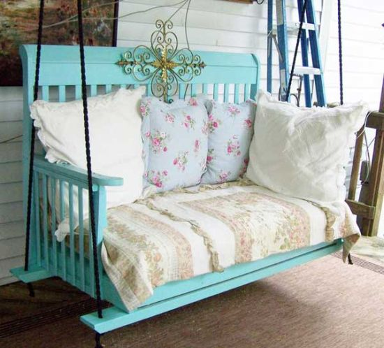 DIY vintage swing made of re purposed baby crib37 DIY Home Decor Ideas for a Vintage Look. Diy Vintage Home Decor. Home Design Ideas