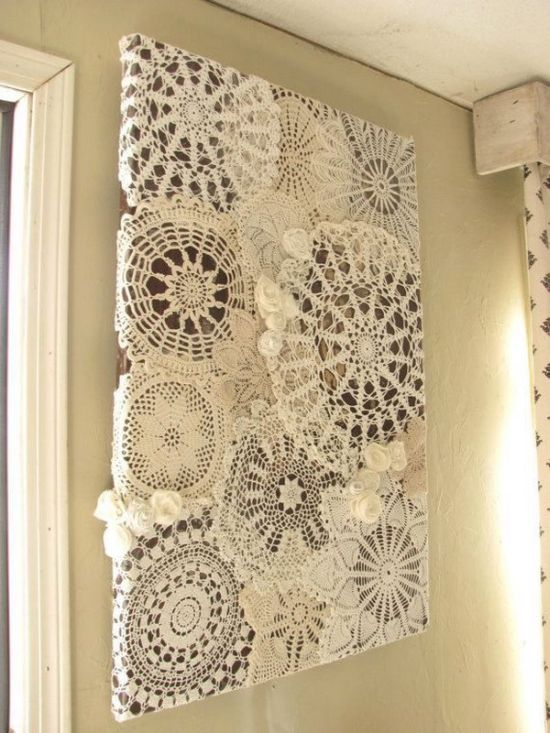 DIY vintage white doily wall decor idea. 37 DIY Home Decor Ideas for a Vintage Look