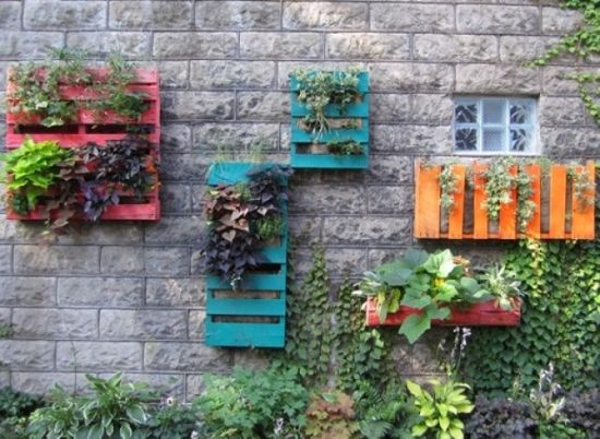 Pallet Wall Garden For Small Gardens