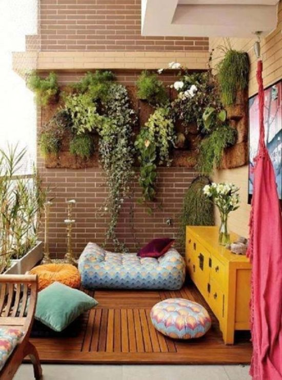 Stunning Hanging Small Balcony Garden Design