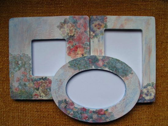 Vintage DIY home decor with decoupage frames. 37 DIY Home Decor Ideas for a Vintage Look