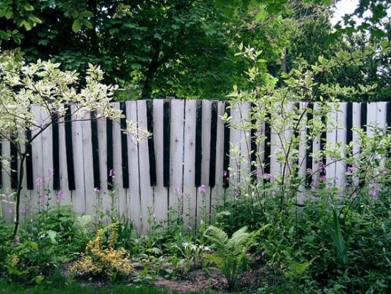 Piano Garden Fence Design