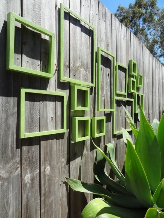 Small Garden Fence Design With Green Frames
