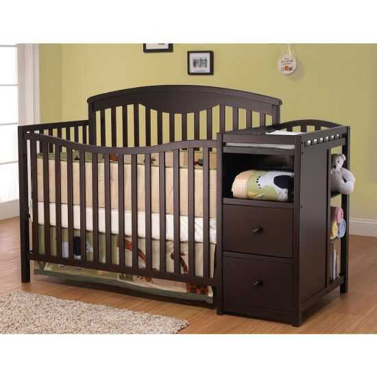 Nice Transform crib with changing table