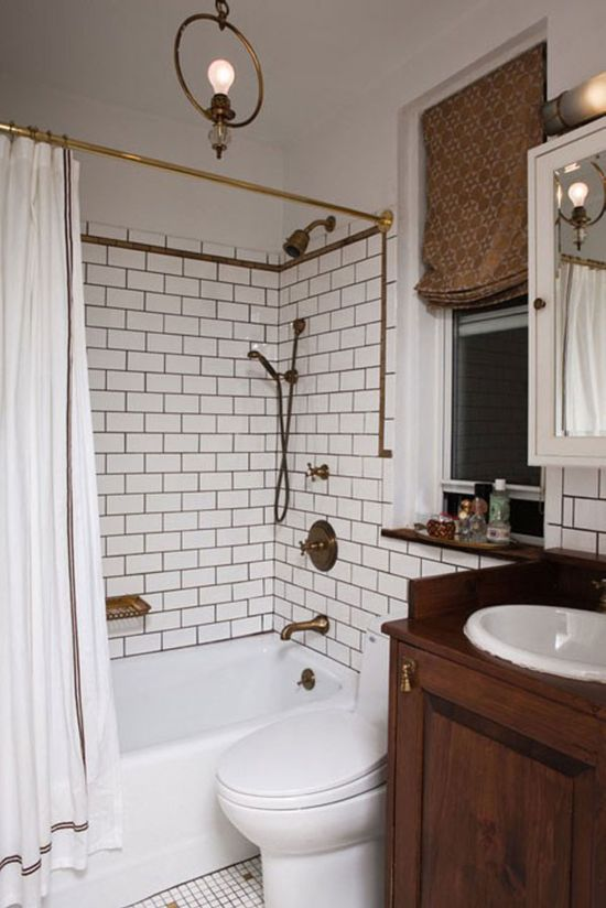 Charmant Bathroom Design With White Brick Tiles In The Shower Area