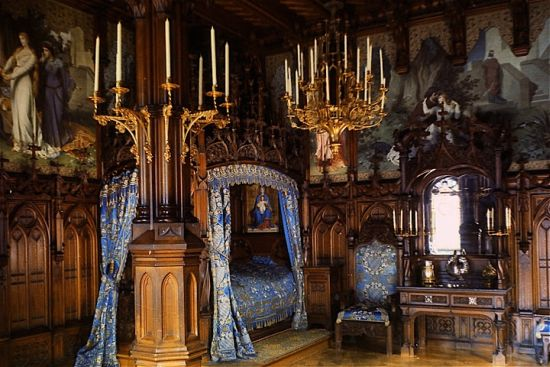 Medieval Bedroom Gorgeous Medieval Canopy Bed In Golden Tones