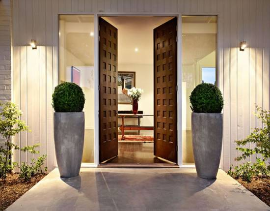 Modest Beautiful House Entrance