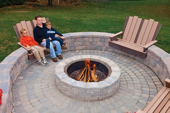 Rustic Cobble Stone Firepit Design