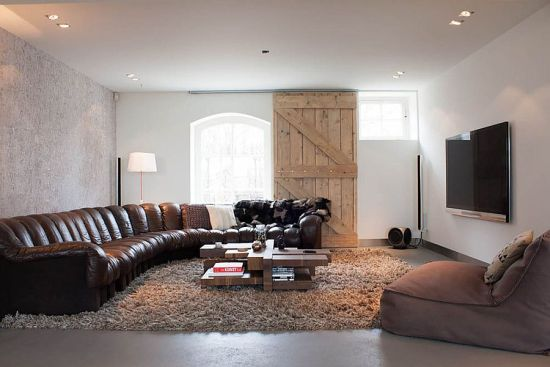 rustic living room sliding door | 33 Wooden Sliding Doors For Living Room | Ultimate Home Ideas