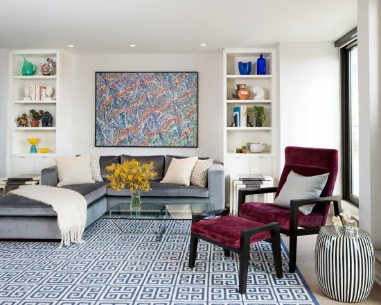 Contemporary square patterned geometric rug