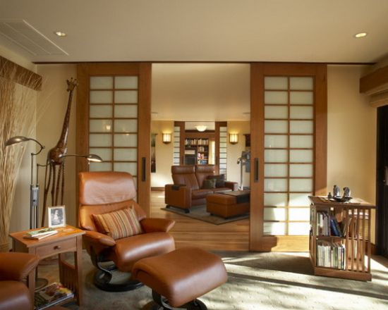 Wooden sliding door in an Asian living room