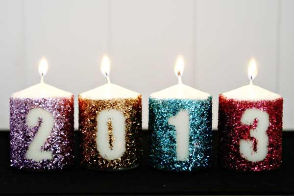 sparkly candles for a glam new year party