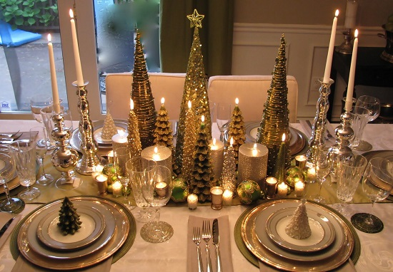 Christmas centerpiece in metallic hues