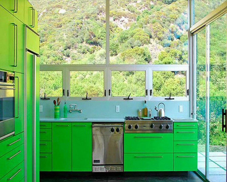 This bold choice brings the outdoor color inside!