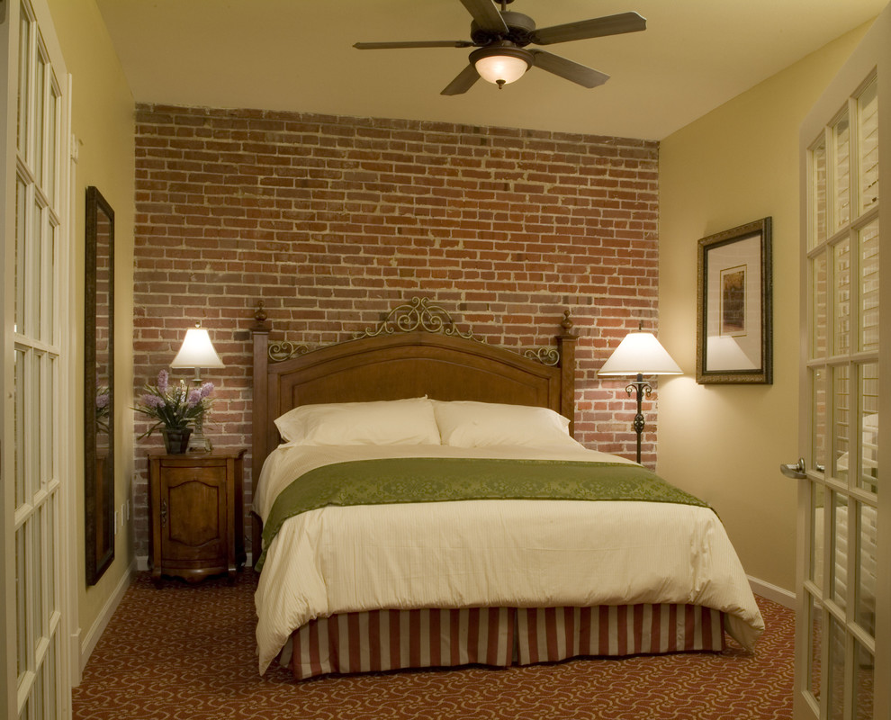 How to create a stunning accent wall in your bedroom for Bedroom w brick wall