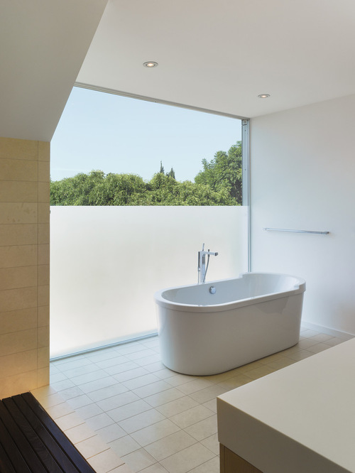 for a modern bathroom go with a simple unpatterned frost credit houzz