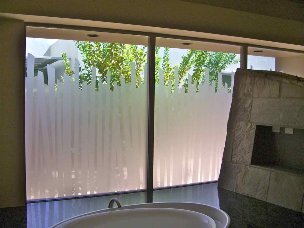 Creative window treatment ideas for your bathroom for Bathroom window designs