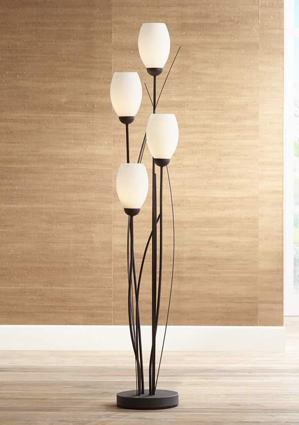 2017 decor trends 5 floor lamps that transform your house. Black Bedroom Furniture Sets. Home Design Ideas